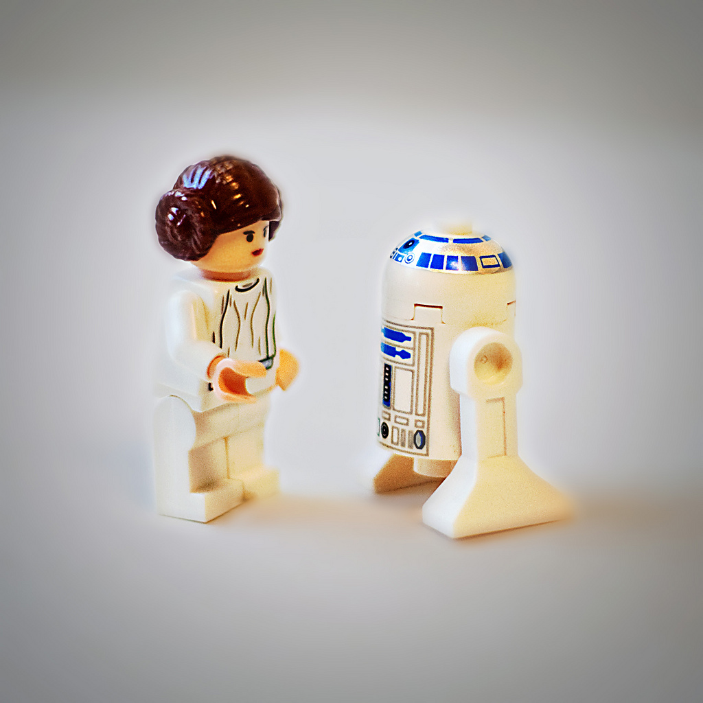 Leah_R2-D2_Lego